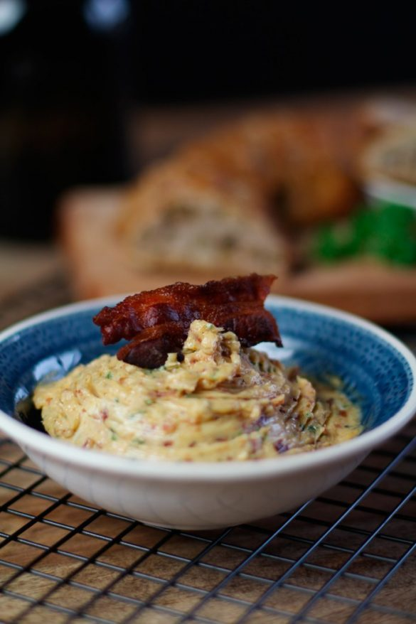 Steakbutter Rezept: Maple Bacon Butter - rauchig lecker!