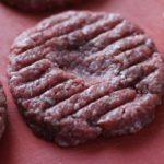 Rindfleisch Burgerbulette vorher eindrücken