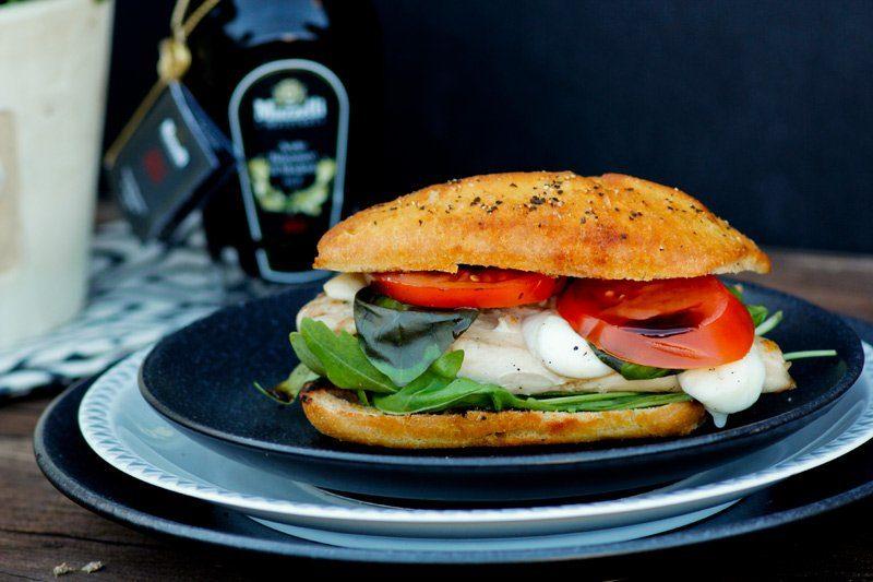 Caprese Burger und Karamell Grießtöpfchen mit Mazzetti l'originale