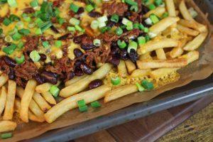 chili cheese fries bohnen kaese