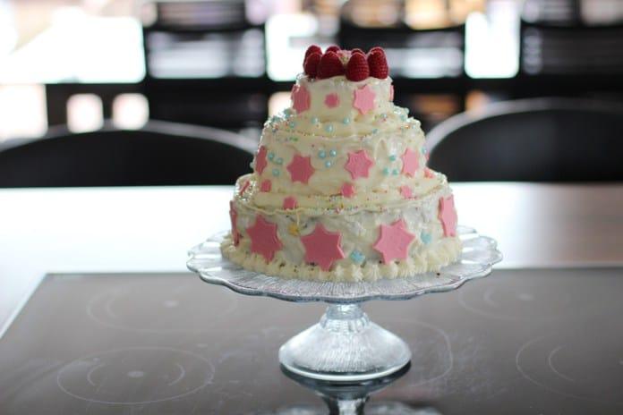 3 Stockige Torte Mit Buttercreme Selber Machen Fur Anfanger