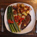 Einfaches Steak Gericht mit Kartoffeln