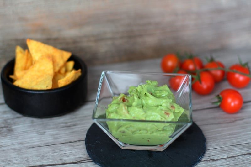 guacamole rezept avocado tomate dip f r chips nachos. Black Bedroom Furniture Sets. Home Design Ideas