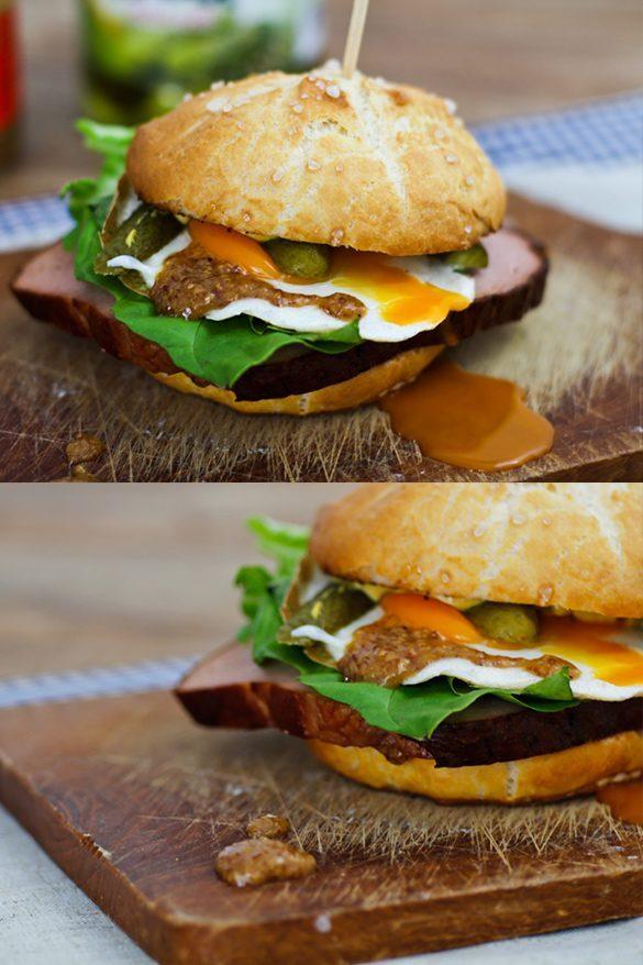 Bayrischer Leberkäs Burger mit Ei, Gurken und süßem Senf