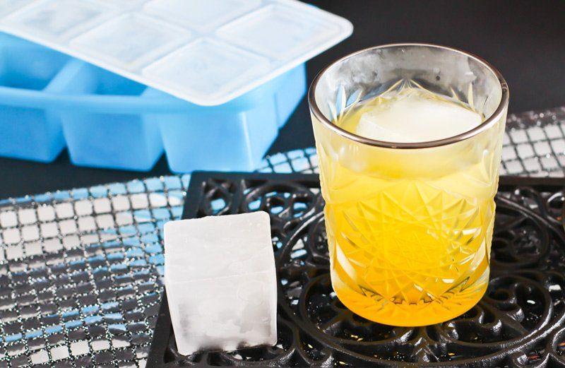 anzeige maracuja gin fizz mit eisw rfelform mydrink von. Black Bedroom Furniture Sets. Home Design Ideas