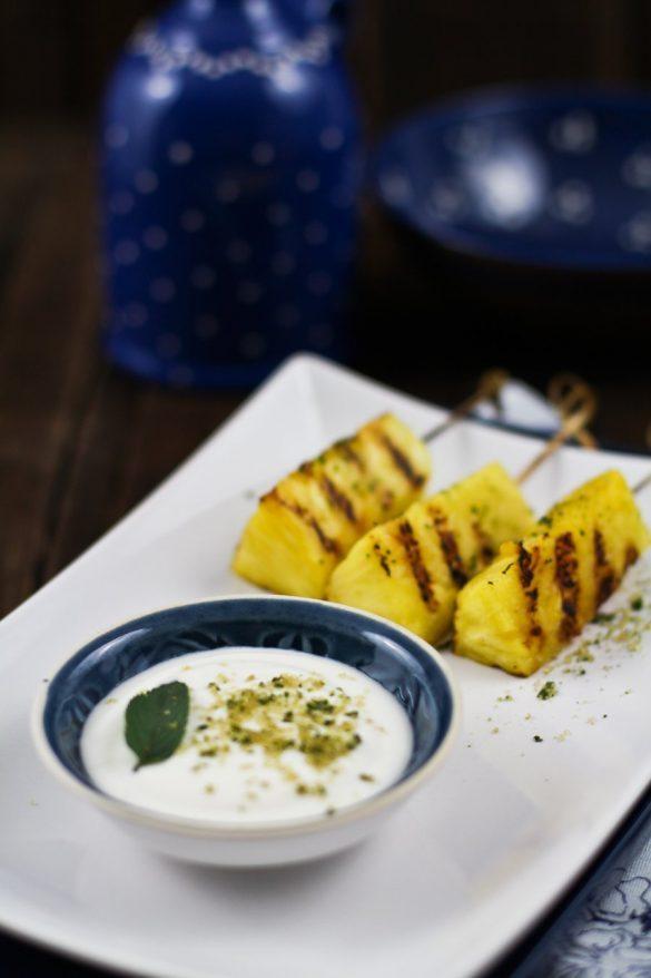 Nachspeise - Gegrillte Ananas mit Kokos-Rum Soße