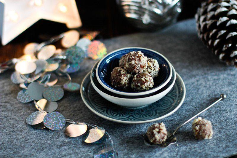 Weihnachtsbäckerei - Cranberry Haselnuss Pralinen