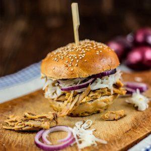 Pulled Chicken Burger Rezept mit Krautsalat