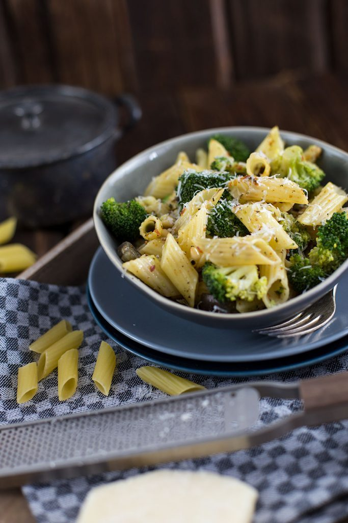 Italienische Nudelpfanne Rezept mit Brokkoli & Aubergine
