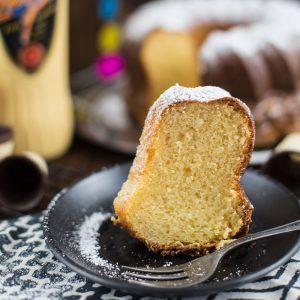 Saftiger Eierlikör Kuchen Rezept