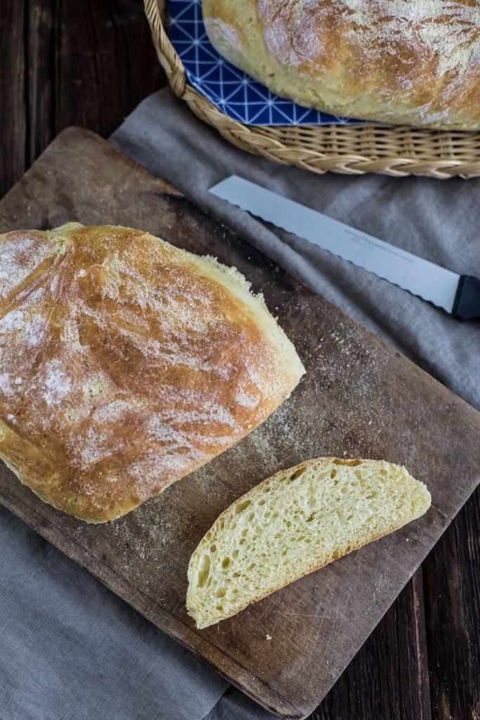 Grieß Baguette Rezept – fluffiges Weißbrot selber backen