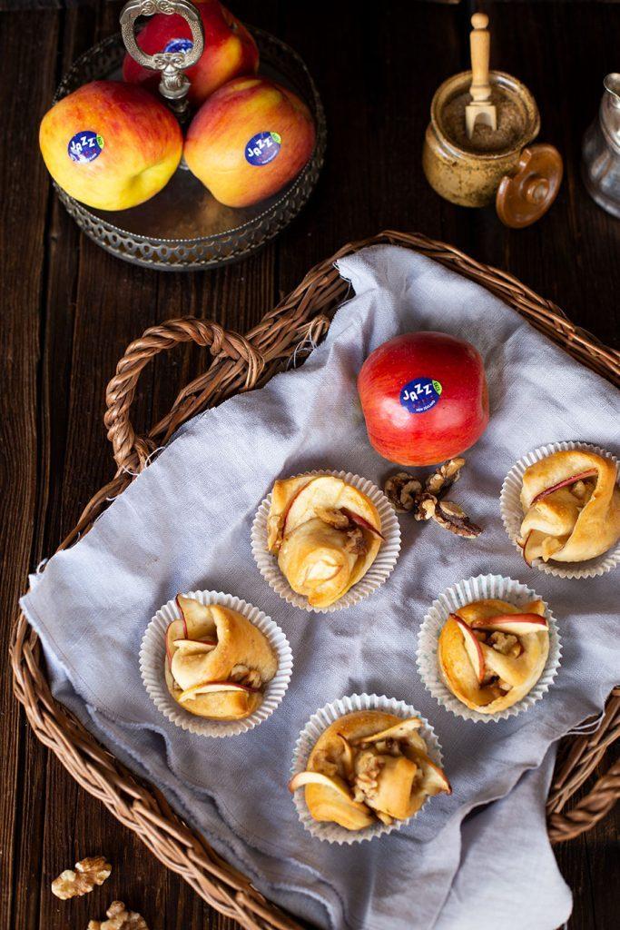 Gewickelte Apfel Muffins Rezept mit Honig & Walnüssen
