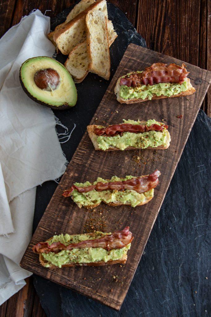 Fingerfood Rezept – Avocado Bacon Mini Baguettes