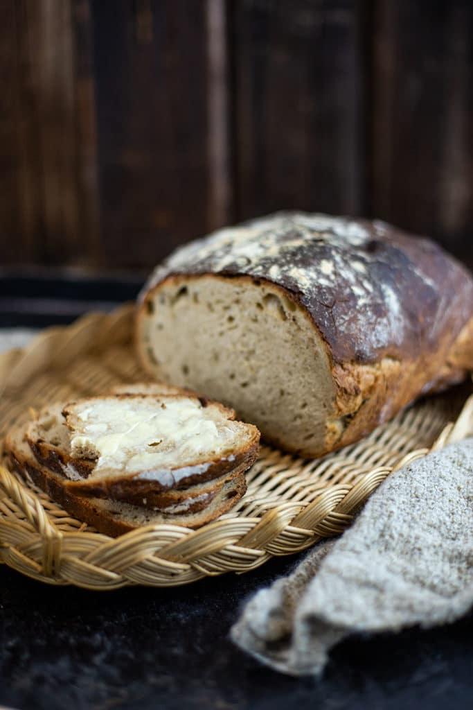Knuspriges Schwarzbier Brot Rezept