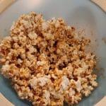karamell popcorn rezept selber machen vermengen