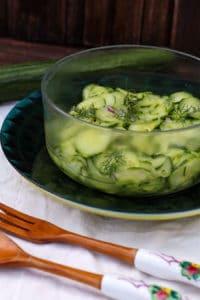 Grillsalat mit Gurken