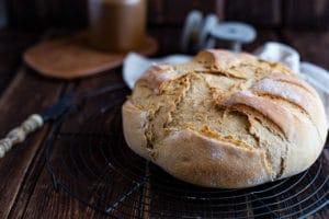Joghurt Brot Rezept - Brot backen im Topf