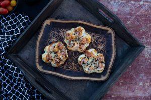 Fingerfood Idee: Würstchen im Blätterteig Kranz Rezept