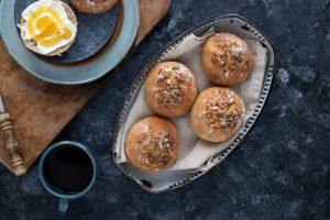 Emmer Brötchen Rezept mit Buttermilch und Körnern