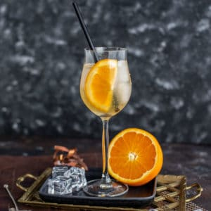 Herber Gin Cocktail - Tanqueray Flor de Sevilla Spritz Rezept