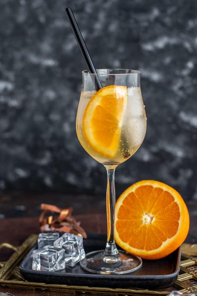 Tanqueray Flor de Sevilla Spritz Rezept – Herber Gin Cocktail