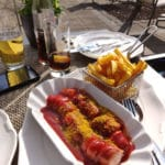 Currywurst in der Sonne