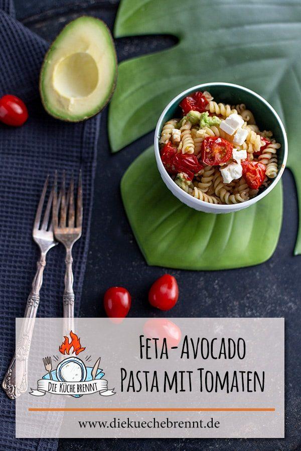 Feta Avocado Nudeln mit gebratenen Tomaten - Pasta Rezept