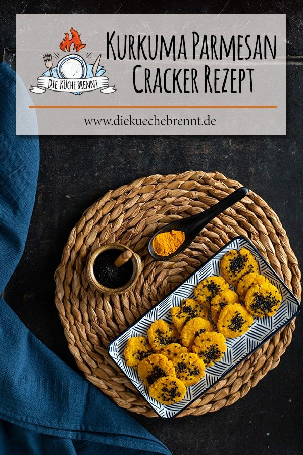 Brettspiel Snacks: Kurkuma Parmesan Cracker Rezept aus dem Backofen