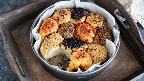 Gefüllte Brötchensonne Rezept mit Mozzarella mit Aufbackbrötchen