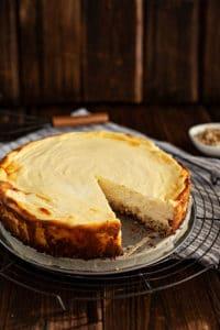 Saftiger Käsekuchen mit Müsliboden - Ruck-Zuck Rezept