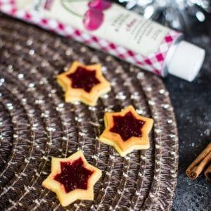 Mürbteig Plätzchen mit Marmeladen Füllung