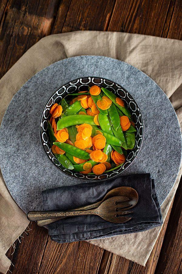 Zuckerschoten Karotten Gemüse Rezept mit Rotweinvinaigrette
