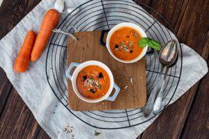 Kalte Tomatensuppe mit Karotten