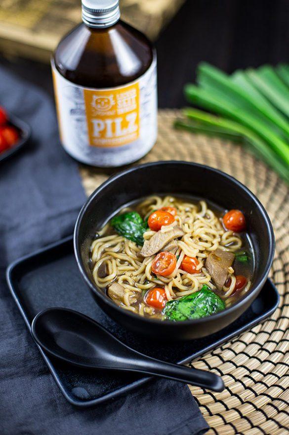 asiatische Brühe Gemüse