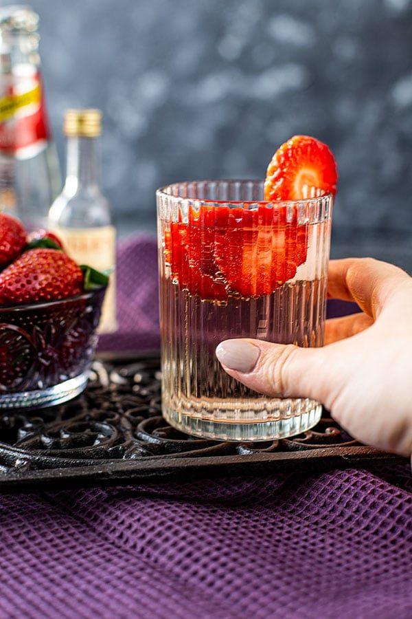 Lillet Wild Berry Rezept – leckerer Lillet Sommerdrink mit Beeren
