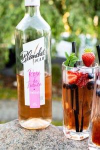 Rose Wein Cocktail mixen