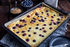 Ofenpfannkuchen mit Heidelbeeren