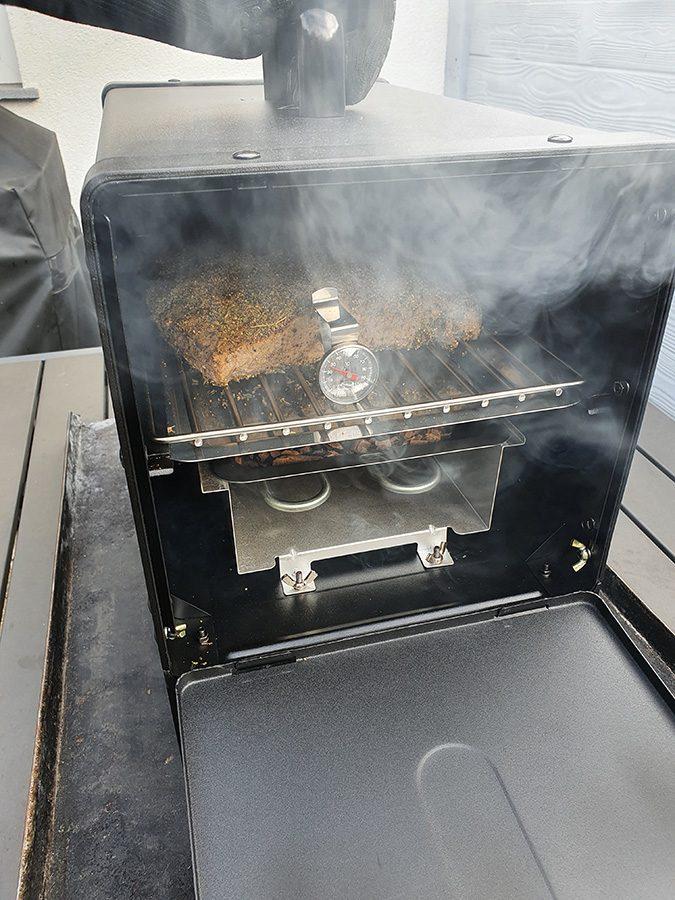 Meateor Räucherofen im Einsatz