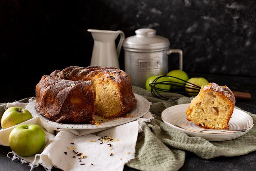 Gugelhupf mit Apfel und Pudding